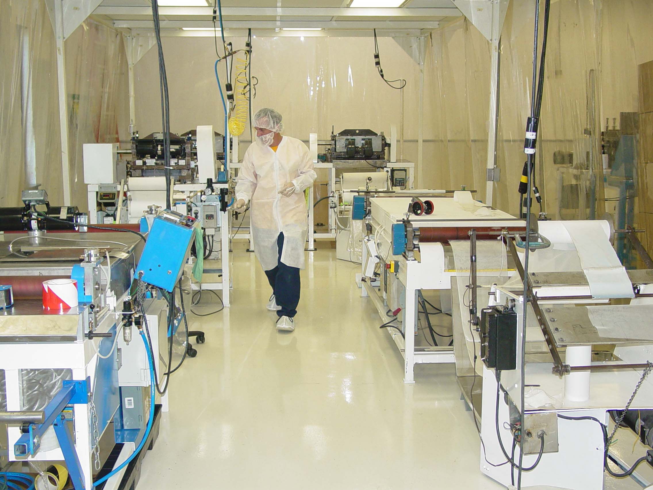 class 10,000 clean room for reducing contaminants