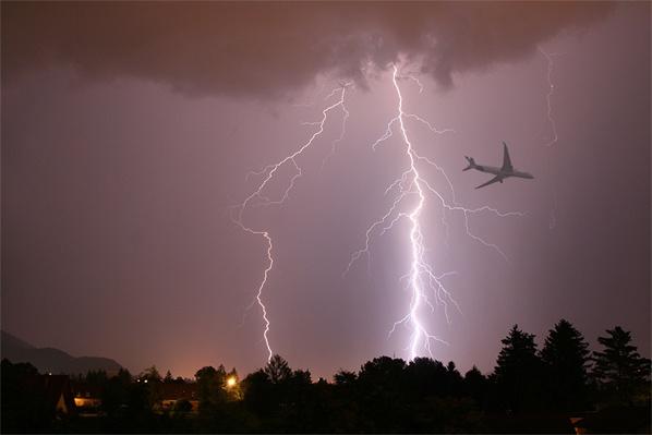Lightning strike near a plane